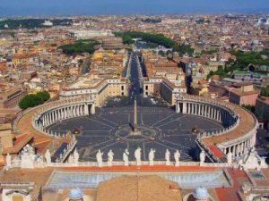 Ici Chiesa Cattolica. L'Europa segue il caso