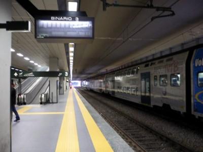 Gli altoparlanti nelle stazioni ferroviarie