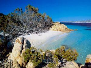 Sardegna, nella revisione del Piano Paesaggistico tutela non vincoli