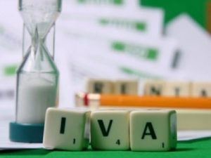 Dichiarazione IVA agevolata per le ristrutturazioni: il nuovo dossier di Ediltecnico