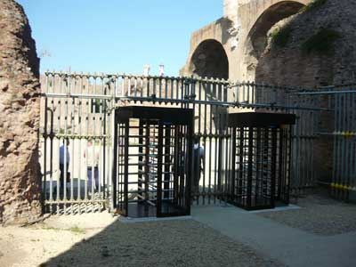 Le barriere al foto Massenzio