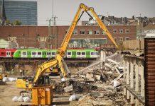 Permesso di costruire annullato, demolizione è la sanzione naturale