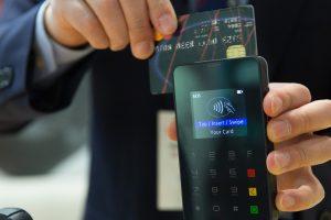 POS, impegno del governo per diffondere pagamenti elettronici